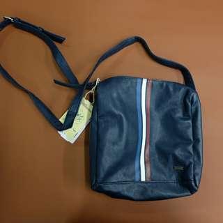 76a717629e57 Brand New and Authentic Regatta sling bag