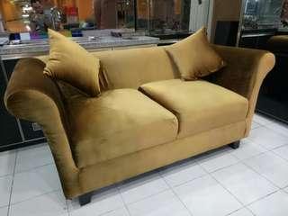 Di jual sofa 2 siter ukuran jumbo