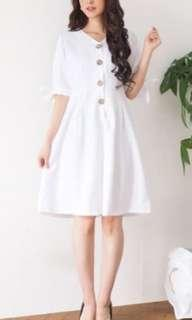 White dress fit to L