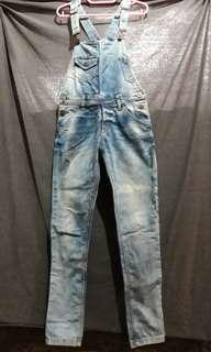 Over all jeans