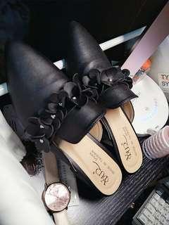 🚚 割愛賣出9.9成新低跟鞋