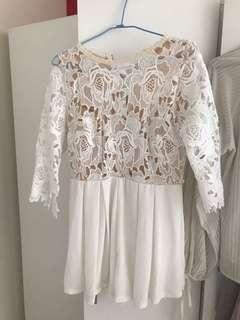 🚚 白色蕾絲褲裙