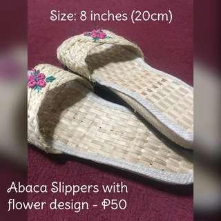 Abaca Slippers with flower design