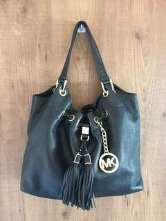 FAST DEAL $350 Authentic MICHAEL KORS Full Leather Bag