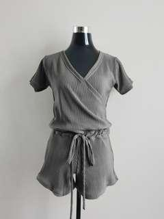 Romper (Available in S,M,L!)