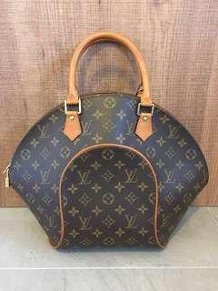FAST DEAL $750 AUTHENTIC LOUIS VUITTON Ellipse Bag - MM