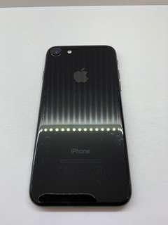 Selling used iphone 7 jet black 128gb