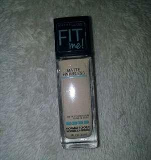Maybelline Fit Me Matte+Poreless Foundation (Warm Nude)