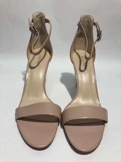 Nine West nude sandal size 11