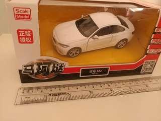 [新版盒裝]全新1:36 白色寶馬bmw m2 回力車