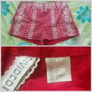 H&M red lace pattern shorts