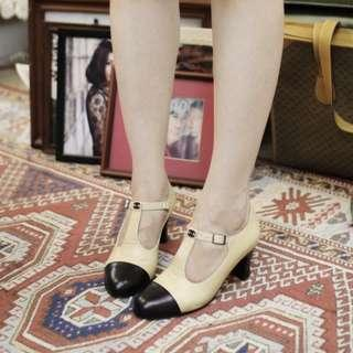 Vintage chanel MARY Jane T strap pumps 38