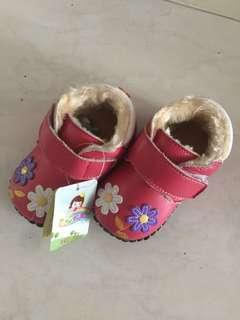 BN Baby Girl winter Shoes