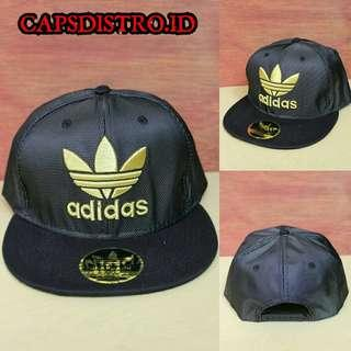 Topi Snapback Adidas Gold