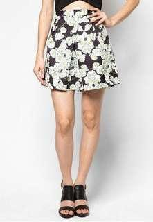 🚚 Love Bonito Floral Solveig Pleat Skirt Size M