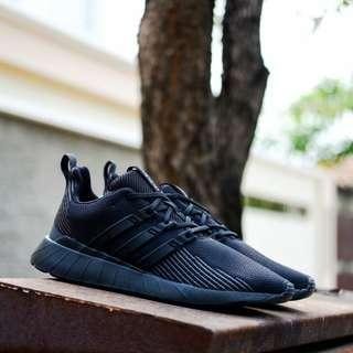 Adidas Questar flow full black ORIGINALS BNWB