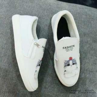 sepatu slipon wanita // sneakers kets sport wedges flatshoes heels hak tahu nike adidas vans fila white shoes putih // blouse