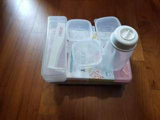 Moving out sale..baby feeding items