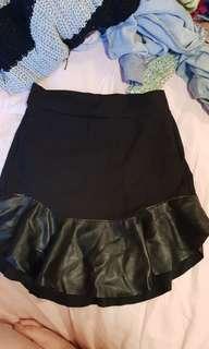 Eye catching black skirt