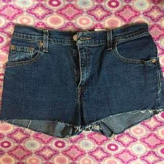 Levi's Classic Relaxed Boot Cut Stretch Shorts (Size 30)