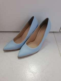 Vincci pastel blue heels