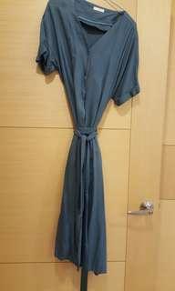 墨綠色連身洋裝(附腰帶)