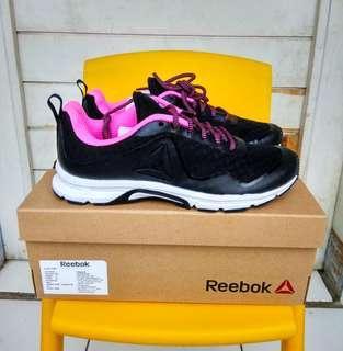 Reebok Original cewek hitam pink