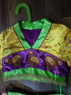 Girl 's Chinese costume (6 years old)