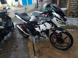 Honda cb150R full modif