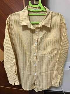 Collared long sleeves shirt with front pocket