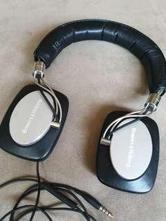 Bowers & Wilkins P5 wired headphone