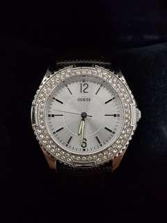 Guess Watch for ladies with lizard grain leather strap
