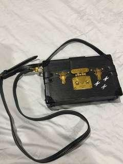 1:1 Louis Vuitton black clutch
