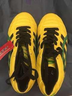 黃色 男童 足球鞋