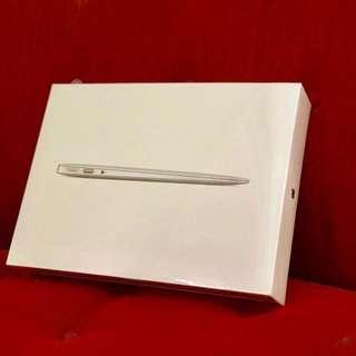 Macbook Air MQD42 8GB 256GB 13 inch 2017 BNIB SEGEL
