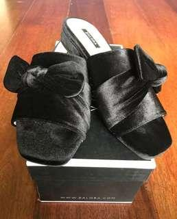 Velvet Bow Slides with low heels (size 6)
