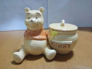 """Preloved """"Winnie the Pooh and Hunny Pot"""""""
