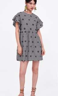 🚚 Z1975 Embroidered Gingham Dress