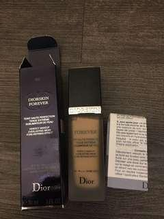 Dior粉底液forever 020