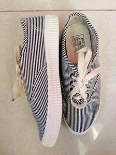 Stripe blue shoes used once