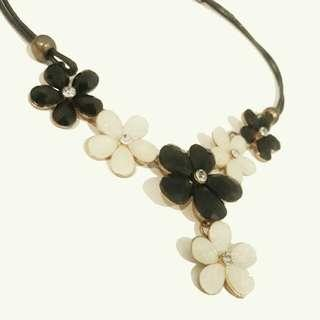 (Reprice) Flower Necklace