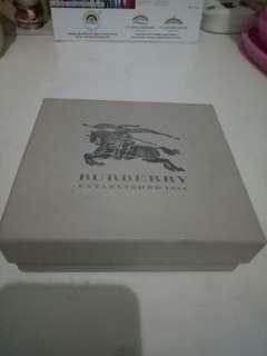 Box Dompet Burberry Original