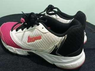 League (Legas series) running shoes sepatu lari