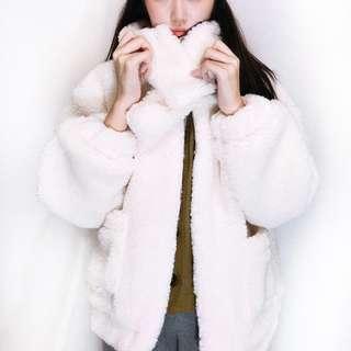 韓國單超厚實白色毛毛外套