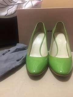 Miumiu綠色漆皮高跟鞋