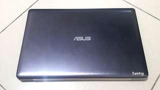 Laptop Asus Touchscreen like new X202E
