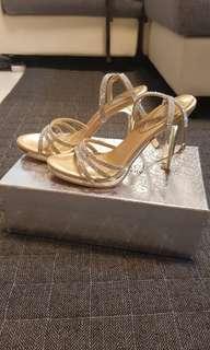 Anna Nucci Gold Heels