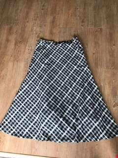 Jaecer checked long skirt with pocket