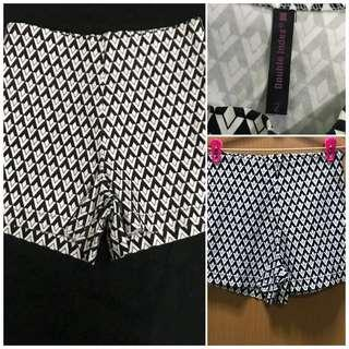 Double Index Checkered shorts