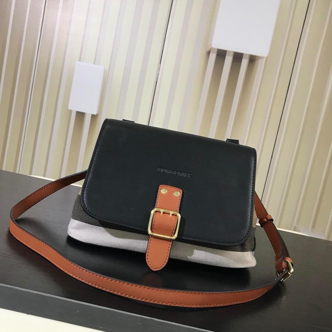 e0c42b125bf8 Burberry bag Cowhide material Classic style bag